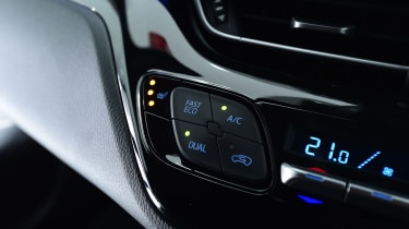 Toyota C-HT 1.2 Icon 2017 - dashboard detail