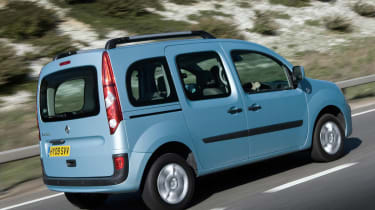 Renault Kangoo mpv rear tracking