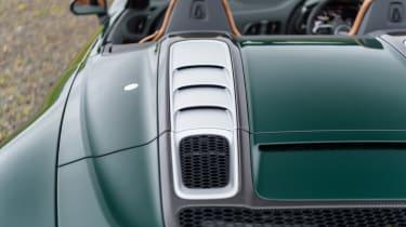 Audi R8 Spyder V10 plus - cover engine