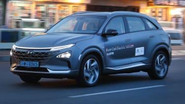 Hyundai NEXO headlights