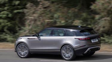 Range Rover Velar - side tracking