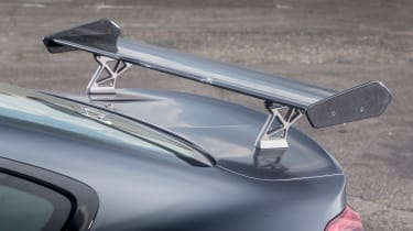 BMW M4 GTS UK 2016 - spoiler