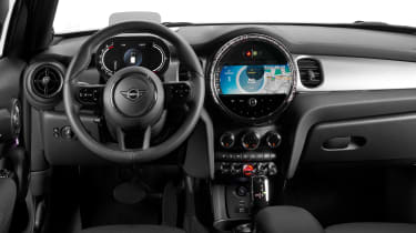 MINI 5-door hatch facelift - dash