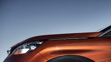 Peugeot 3008 - front profile