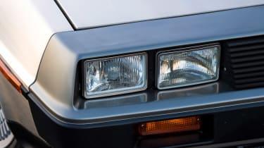 DMC DeLorean - front light
