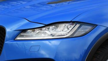Jaguar F-Pace SVR - front light