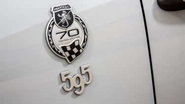 Abarth 595 essessee 70th Edition - badge