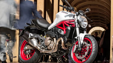 Ducati Monster 821 review - waiting