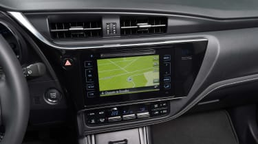 New Toyota Auris 2015 screen