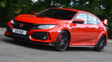 UK Honda Civic Type R 2017 - front quarter