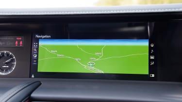 Lexus LC - sat-nav
