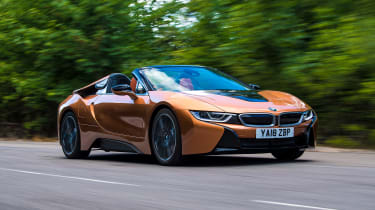 BMW i8 Roadster - front tracking