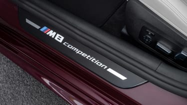 BMW M8 Gran Coupe - sill