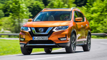 Nissan X-Trail - front tracking