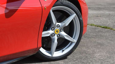 Ferrari 488 GTB 2016 - wheel