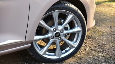 Ford Fiesta Vignale alloy wheel