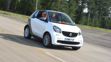 Convertible megatest - Smart ForTwo Cabrio - front tracking