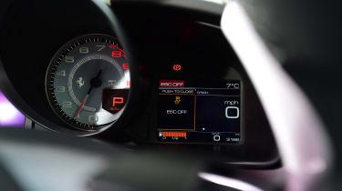 Ferrari GTC4 Lusso T - dials