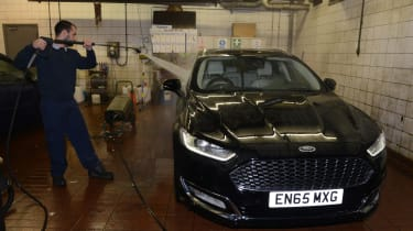 Ford Mondeo Vignale road trip - car wash