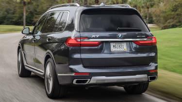 BMW X7 - rear tracking