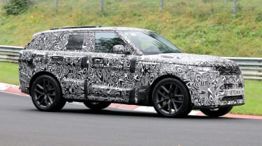 Range Rover SVR - spyshot 2