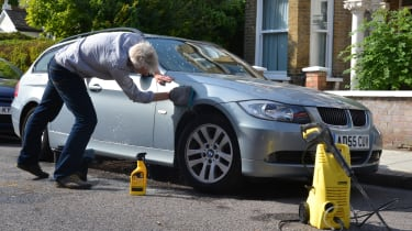How to photograph your car for sale - cleaning