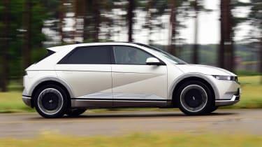 Hyundai Ioniq 5 - side