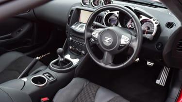 Nissan 370Z - dash