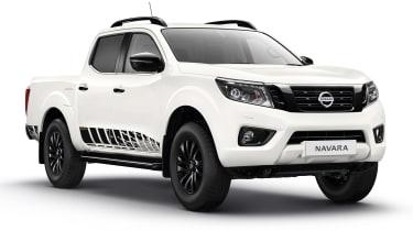 Nissan Navara N-Guard - white front