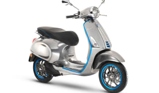 Vespa Elettrica electric scooter - front quarter