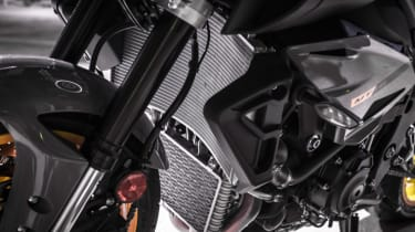 Yamaha MT-10 review - radiator