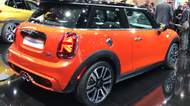MINI hatch facelifted - show rear