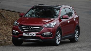 Hyundai Santa Fe - front cornering