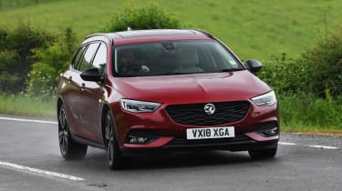 Vauxhall Insignia Sports Tourer Elite Nav - front action