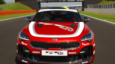 Kia Stinger GT420 - front tracking