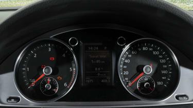 Volkswagen CC dials