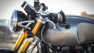 Triumph Thruxton R review - handle bars