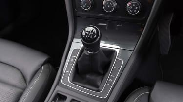 Volkswagen Golf - Gearstick