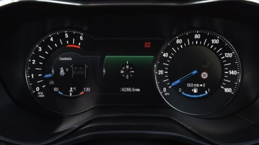 Ford Mondeo - dials