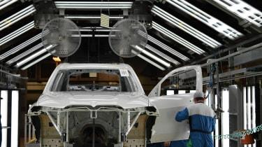 BMW SUVs feature - BMW SUV paint shop