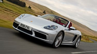 New Porsche 718 Boxster 2016 - front tracking