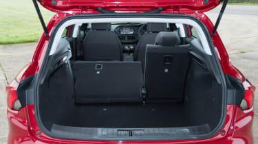 Fiat Tipo vs Skoda Rapid vs Citroen C4 - Tipo boot