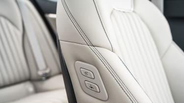Genesis G70 - seats