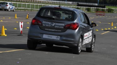Kid Drivers - corsa rear tracking