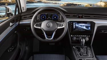 Volkswagen Passat GTE - dash