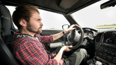 Nissan Juke-R 2.0 - interior driving