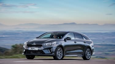 Kia Proceed - front action