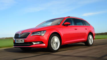Skoda Superb Estate 280 4x4 2016 - front tracking 2