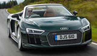 Audi R8 Spyder V10 plus - road action
