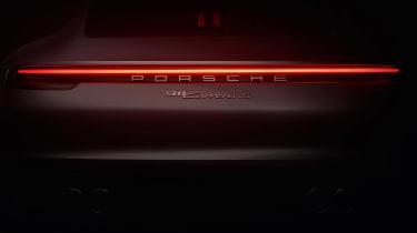 Porsche 911 - rear light bar